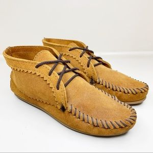 MINNETONKA Suede Lace-Up Moccasin Ankle Boots